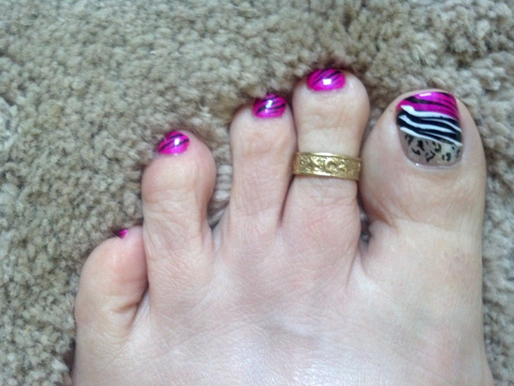 My feet may not be pretty, but my nails sure are!!! <3