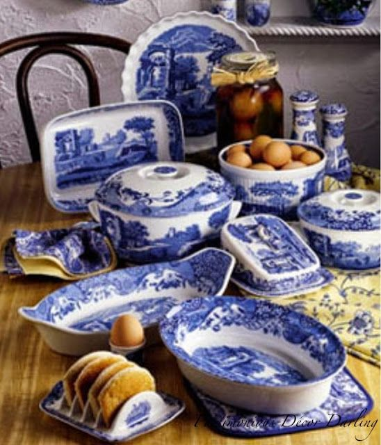 Spode blue Italian (but the black and white version of this pattern) : blue china dinnerware sets - pezcame.com