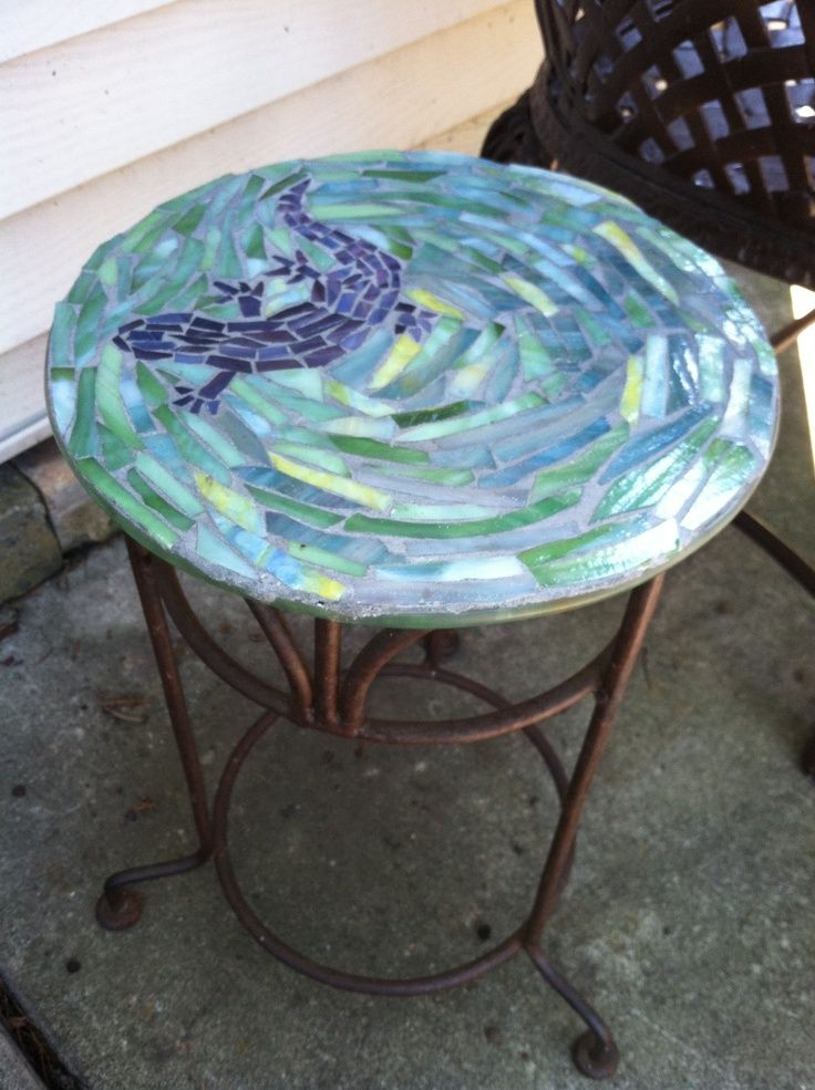 17 best ideas about mosaic table tops on pinterest for Glass table top design ideas