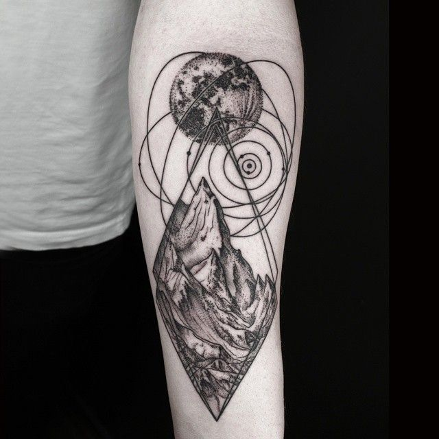 Okan Uçkun Combines Naturalism with Geometry to Create Beautifully Surreal Tattoos - My Modern Met