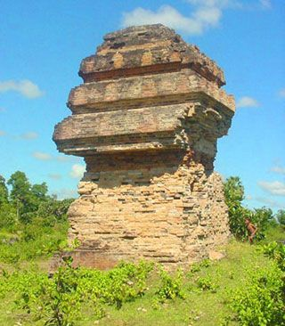 Phnom Preah Theat, Attraction in Stung Treng | Tourism of Cambodia