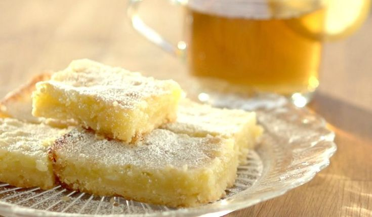 Sometimes you need a little lemon in your life. There's something about a sweet and tart combination that I just love. These simple lemon bars have a beautiful balance of sweet with that wonderful tart lemon taste. Check out the quick video below to see...