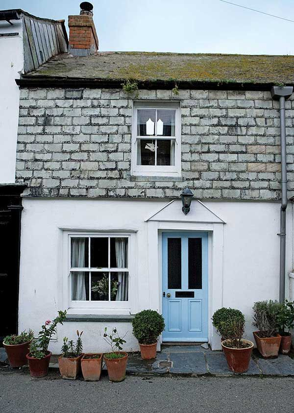 Exterior of coastal cottage in Port Isaac