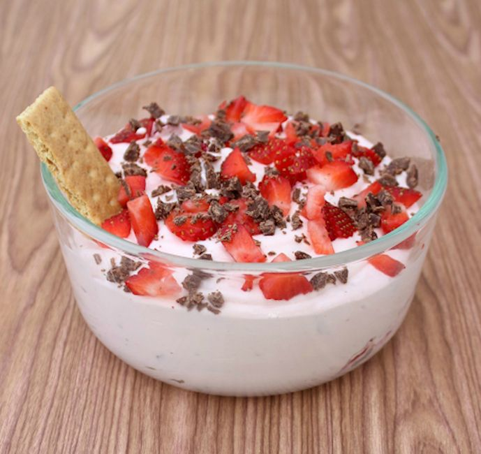 Chocolate Strawberry Dip- party food, girls night out, baby shower, bridal shower...#dip #dessert #recipe