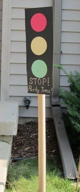 DIY Cars themed party decoration | Traffic light party decoration
