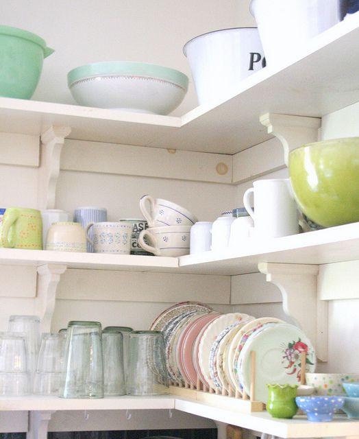 Tamar's fresh colors and open shelves.Kitchens Shelves, Kitchens Design, Open Shelves, Vintage Dishes, Vintage Kitchens, Plates Racks, Design Kitchen, Corner Shelves, Open Kitchens