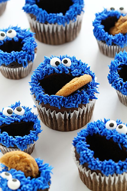Cookie Monster eating Cookie Cupcake Recipe.