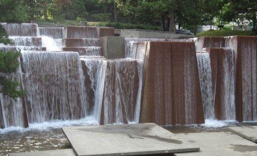Keller-fountain-park-52af10354697775cbb000040
