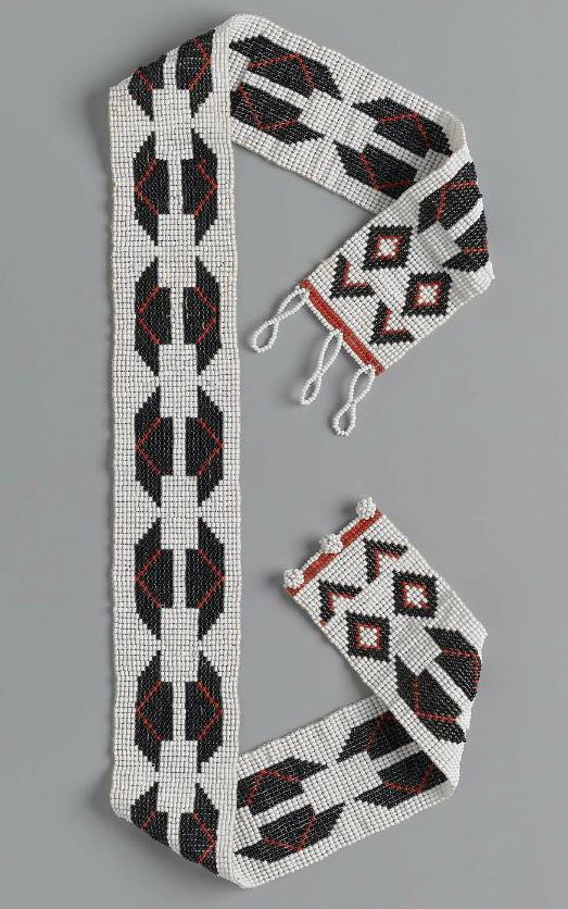 Africa | Necklace from the Zulu people of South Africa | Cotton and glass beads | ca. late 20th to early 21st century | Museum of Fine Arts, Boston