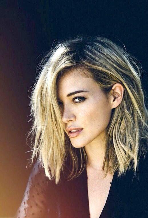 Beautiful medium length hairstyle idea.