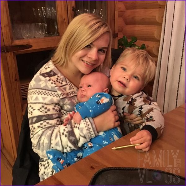 Aunt Cassie, baby Finley and Ollie Lanning of Daily Bumps! Get more Family Vlog news and photos!