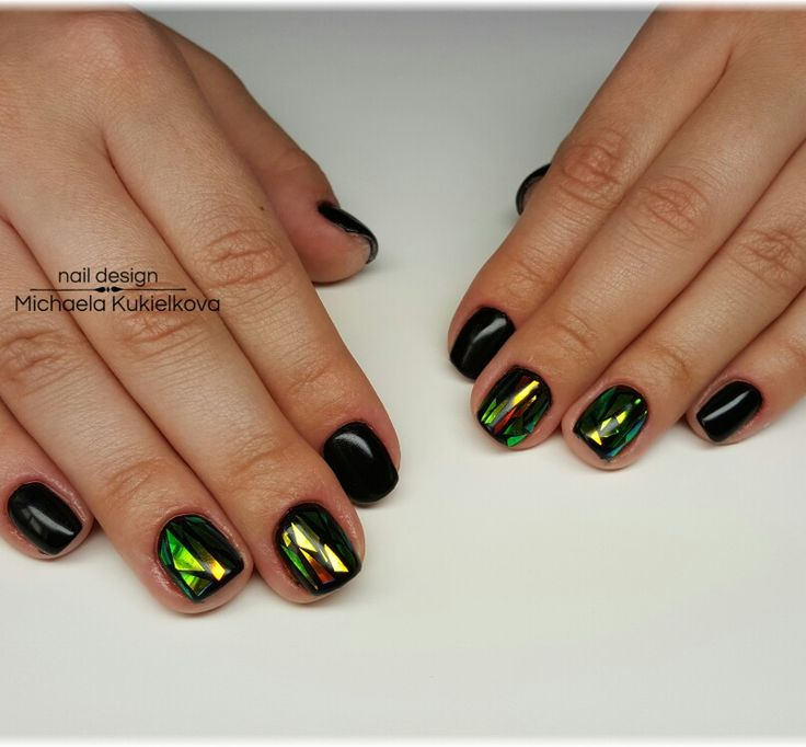 Black nails, mirror foil