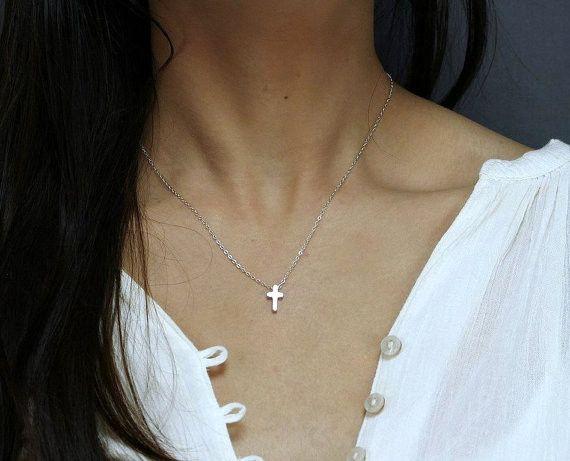 Minimal Cross Necklace