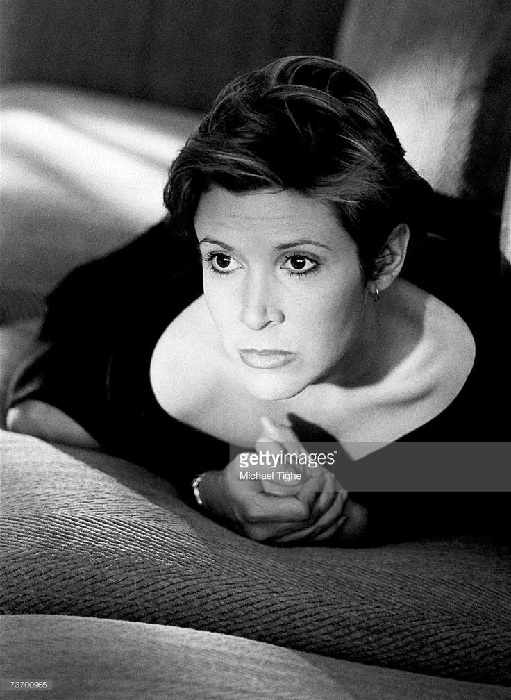 Actress Carrie Fisher poses for a photoshoot in 1989 in New York.