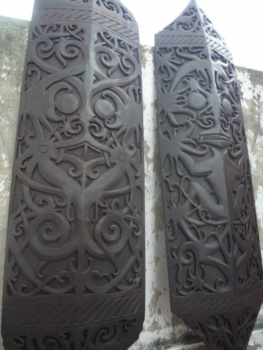 DAYAK ANCESTRAL SHIELD War Armor Sculpture WALL DISPLAY PROTECTION BODY GUARD