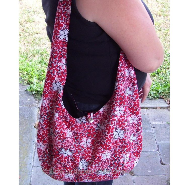 $40 Red and White Daisy Shoulder Bag by LindabearsHandmade on Handmade Australia