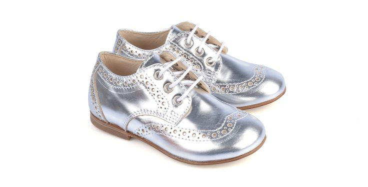 308/Mirror Argento Derby in laminato argento, suola in cuoio. #galluccishoes #kids #shoes #derby #babygirl #SS16