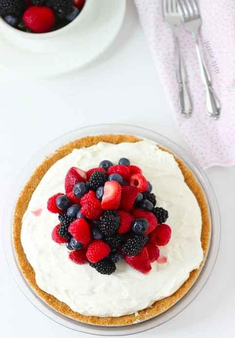 No-Bake White Chocolate Cheesecake Pie with Berries