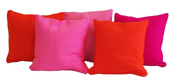 These handwoven pillow-cases in strong colors can brighten up any corner, couch, chair... the dark pink and the bright orange color are similar to the colors in the runnerrug. Design: kira-cph.com
