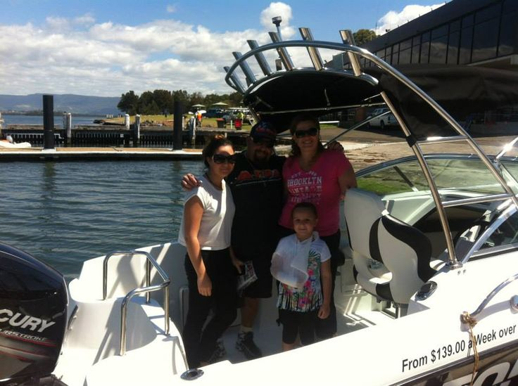 Atomix Boats & Hitech Marine at the Shoal haven river festival
