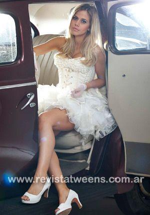 Vestidos de 15 años, blanco, corto, guantes, ANA PUGLIESI en Revista Tweens