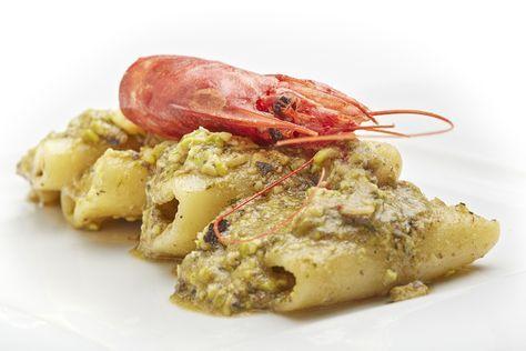Paccheri al pesto di pistacchio e gamberi