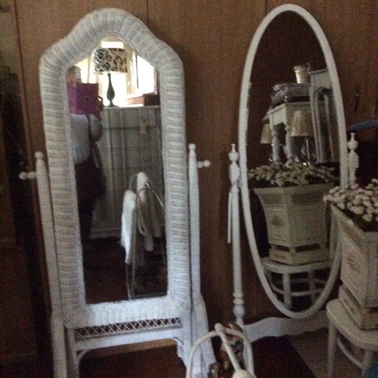 Always love vintage cheval mirrors #heyjudesbarn for all the finds in KZN!