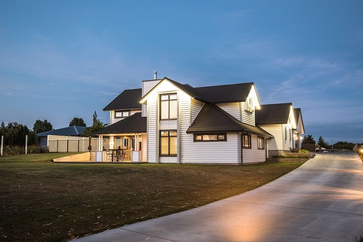 Produced from 100% sustainable pine, the Envira weatherboard system will give your home the classic New Zealand look