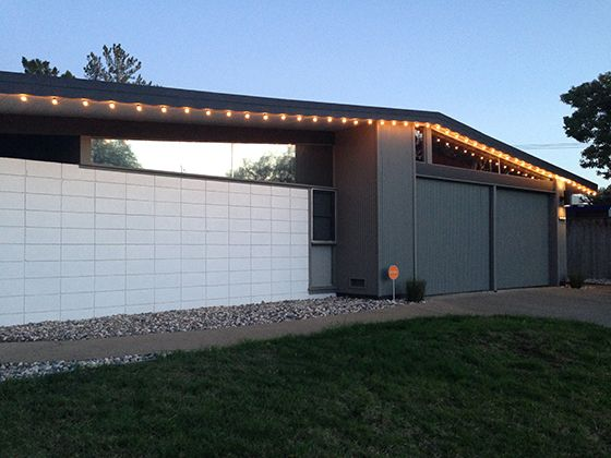 eichler-christmas-lights-ours