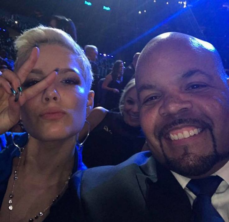 Halsey And Her Dad At The Vma S In 2019 Halsey London