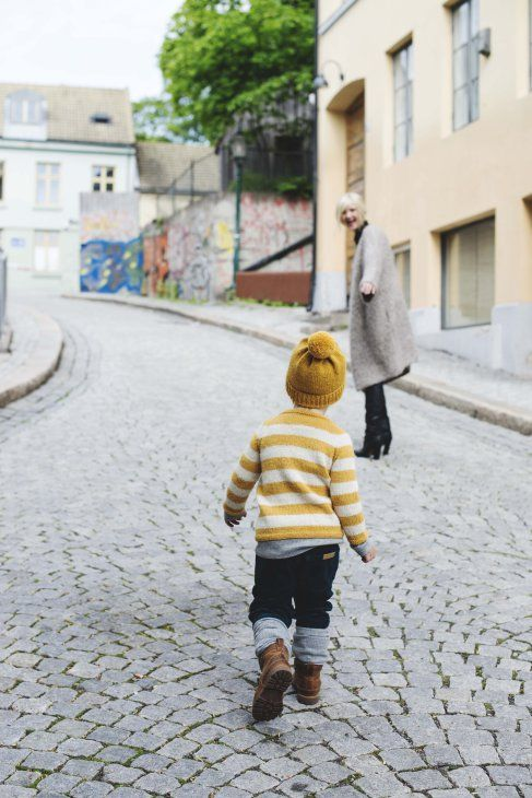 "Boy outfit :From the norwegian book ""Den store guttestrikkeboka""."