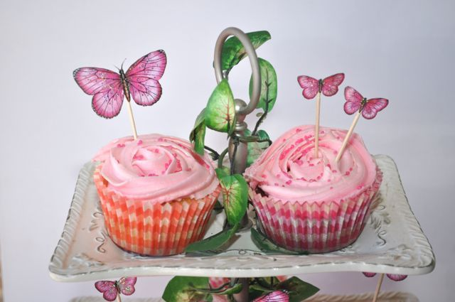 Cupcake toppers By Kelly-ann Oosterbeek... Butterflies available at Etsy...  https://www.etsy.com/au/listing/192643609/hot-pink-printable-butterflies-in-3?ref=listing-shop-header-2