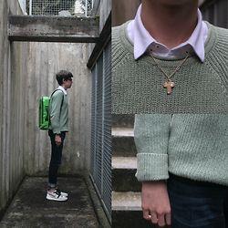Emil D - Jack Wills Jumper, Zara Shirt, Freitag Backpack, Nike Shoes - School boy