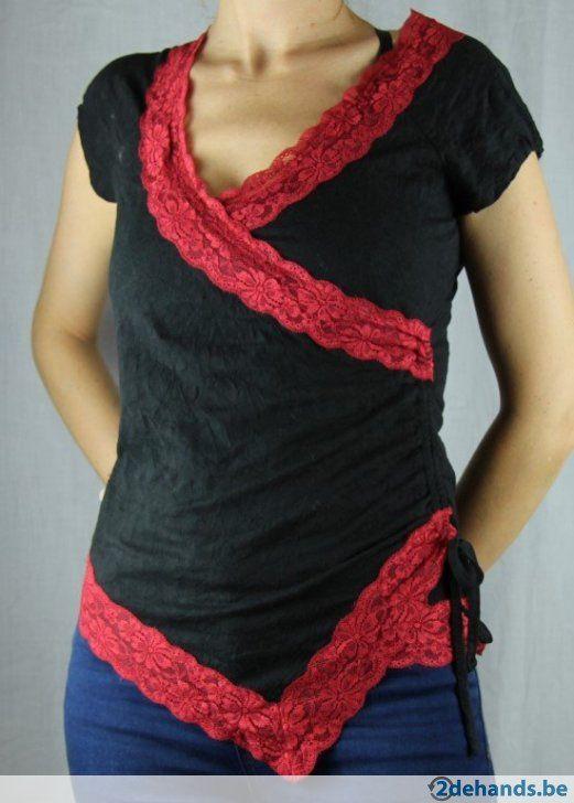 Zwart tshirt met rood kant van Napo - NIEUW - Small