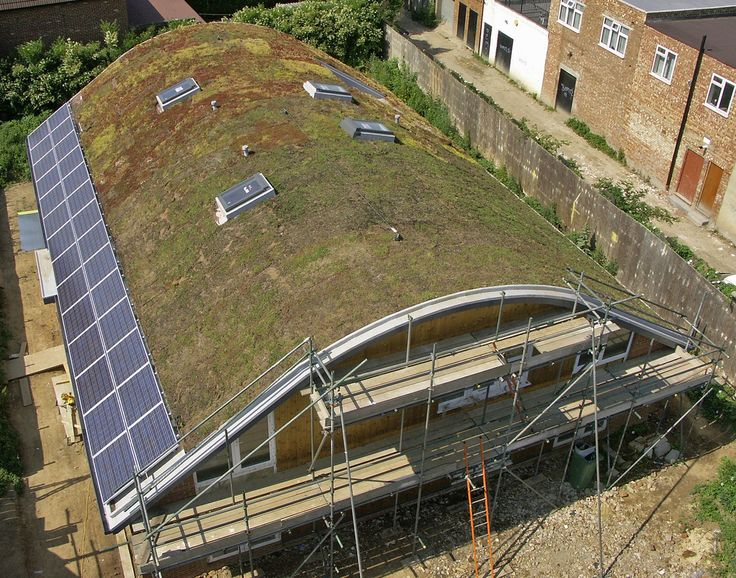 Sunrise Hotels Hayes, Middlesex, UK UltraPly TPO Ballasted Green Roof 2.291 m²