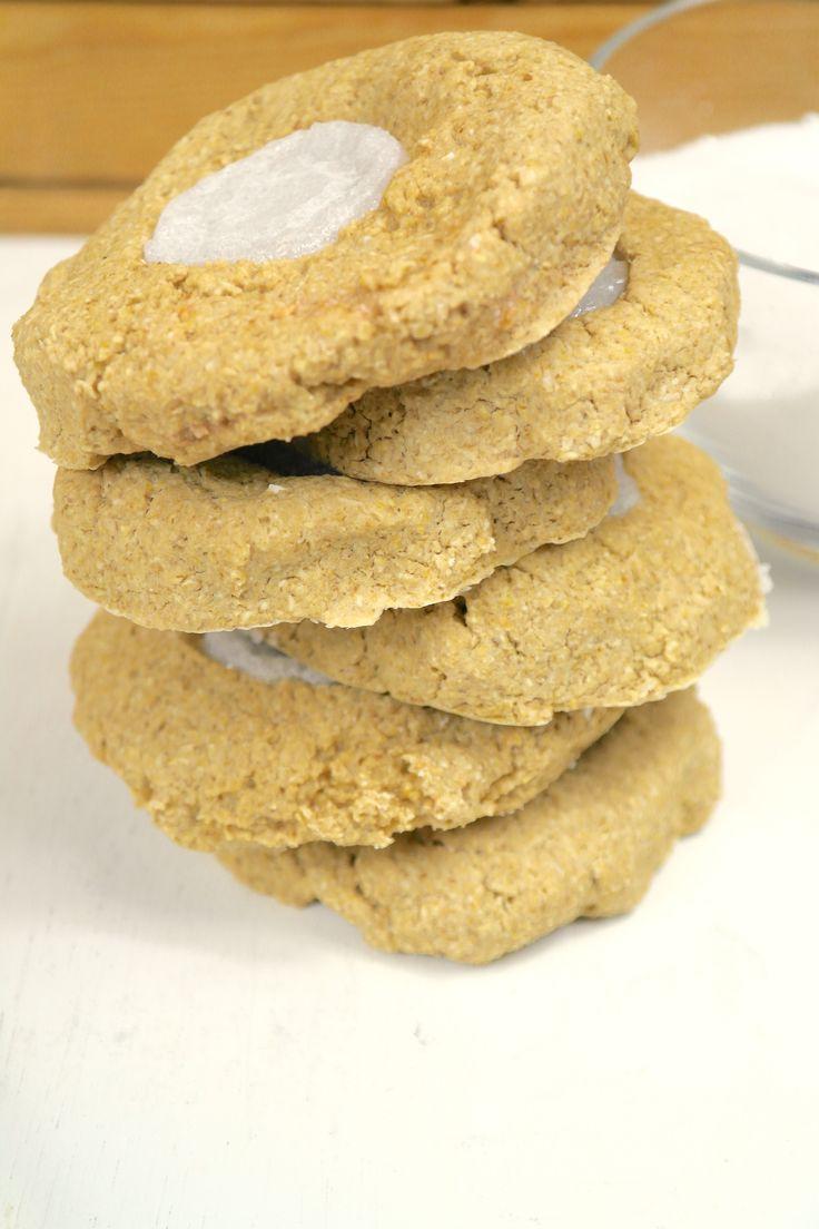 Laat je niet misleiden ( hahaha!) door de titel van dit recept, want deze koekjes zijn geheel suikervrij! Sterker nog, ze zijn ontzettend verantwoord, voed