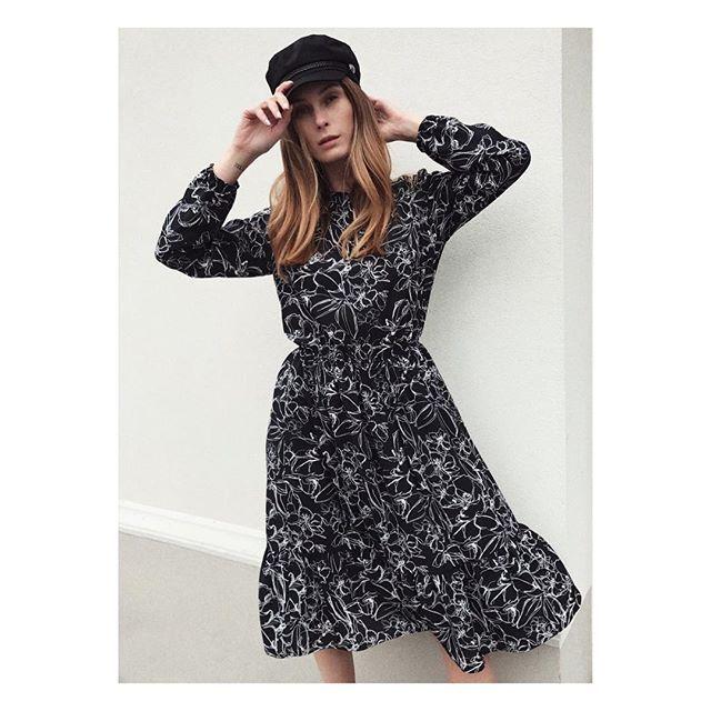 Autumn🌙• Lana dress
