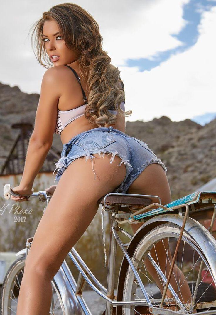 Мексиканки в мини шортиках фото, порно фото голая куварзина