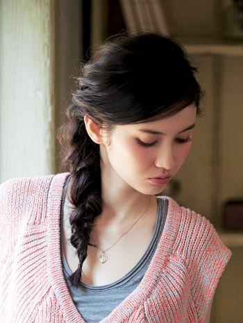 横顔がキレイに見える サイドゆる編み