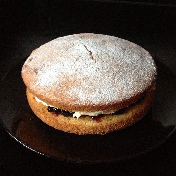 Victoria sponge #glutenfree #dairyfree #lowfodmap #Padgram