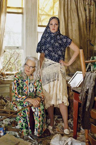 Jessica Lange and Drew Barrymore as the Edies of Grey Gardens. Photography by Peter Stanks/HBO