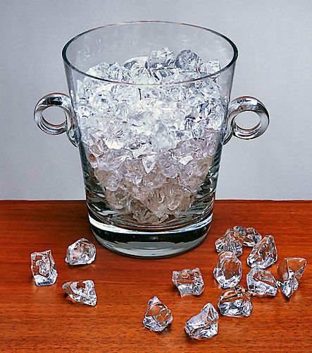 Acrylic ice chips for that sparkling, icy look all day long. Perfect for the bar or game room!