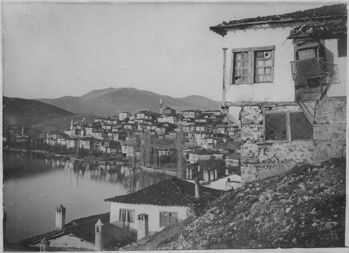 Opérateur K (code armée, photographe) - Vue de Kastoria, 1917