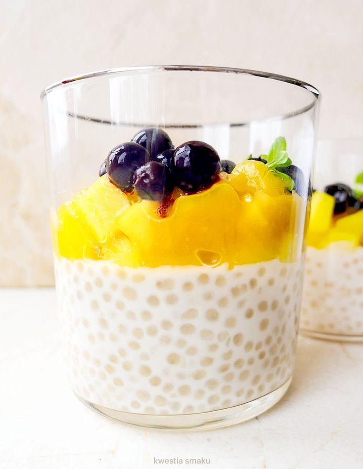 Kokosowy pudding z tapioki z musem mango
