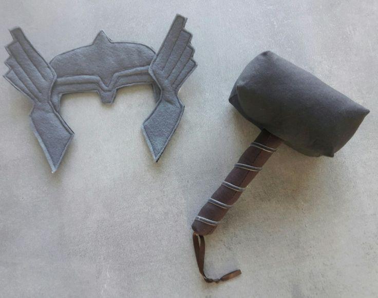 Masque Thor bébé et marteau hochet