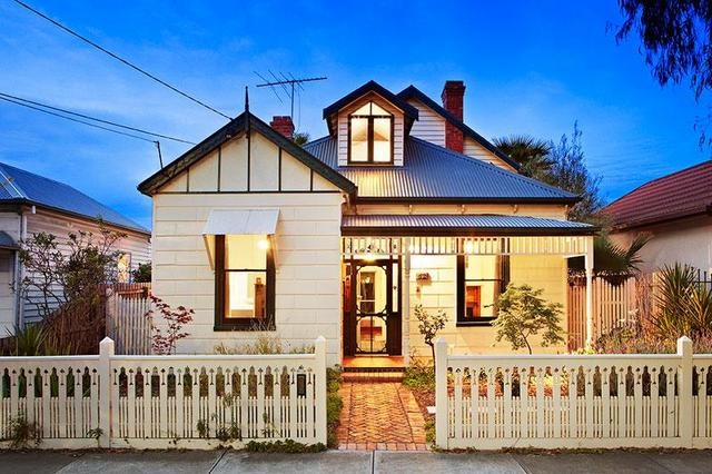 52 Gladstone Avenue, Northcote, Victoria, Australia.  Californian Bungalow.  Barry Plant Northcote.