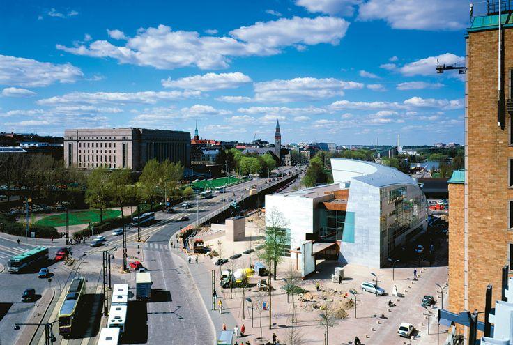 Kiasma (contemporary art museum) / Steven Holl / Helsinki, Finland, 1992-98