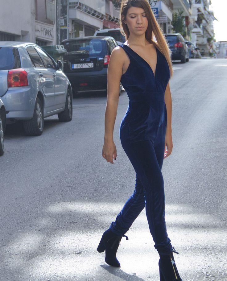 Ολόσωμη μπλε βελούδινη φόρμα