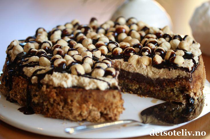 Nøttekake med sjokolade og kaffekrem   Det søte liv