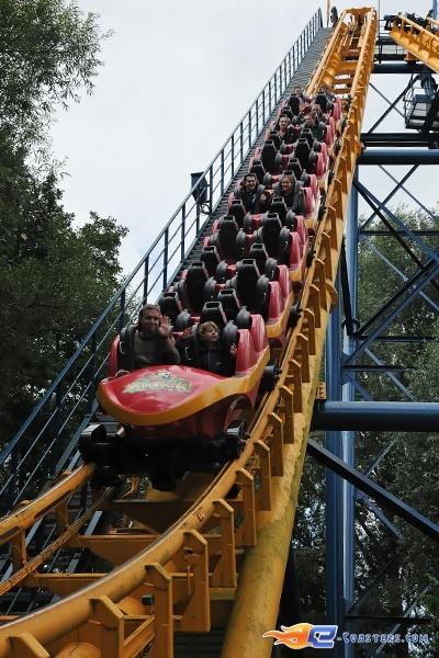 4/9 | Photo du Roller Coaster Boomerang situé à Bellewaerde Park (Belgique). Plus d'information sur notre site www.e-coasters.com !! Tous les meilleurs Parcs d'Attractions sur un seul site web !! Découvrez également notre vidéo embarquée à cette adresse : http://youtu.be/ZxSGQnh6q20